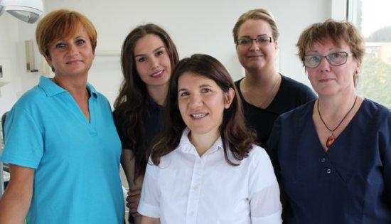 Team der Zahnarzt-Praxis in Hamburg Barmbek